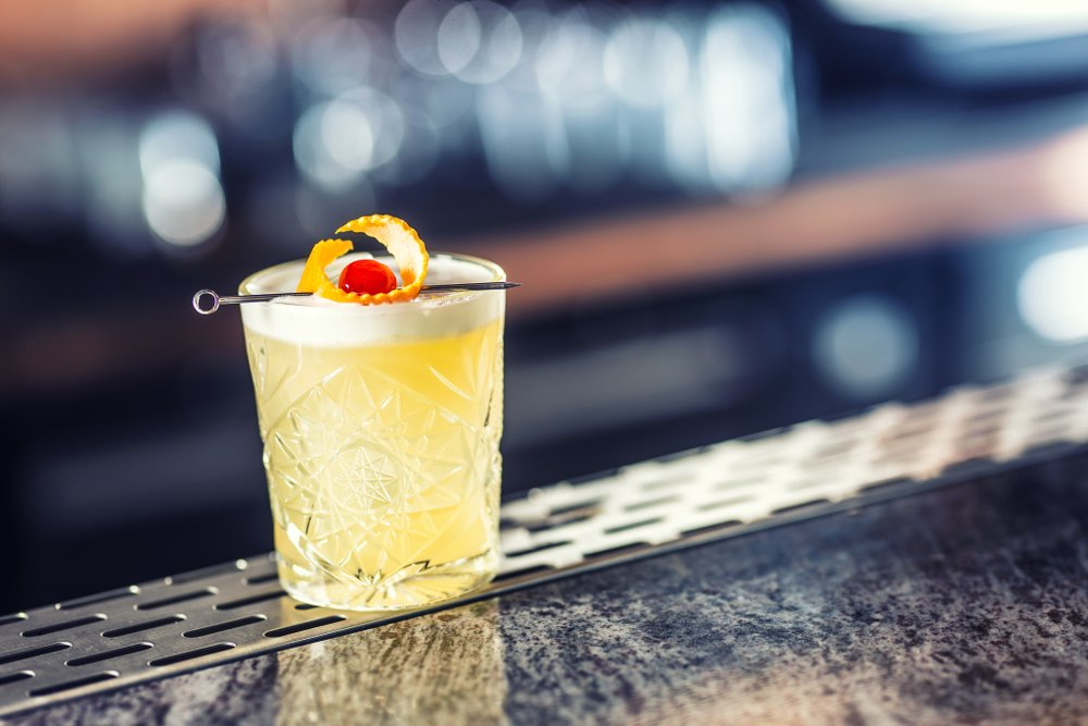 whiskey sour well drink